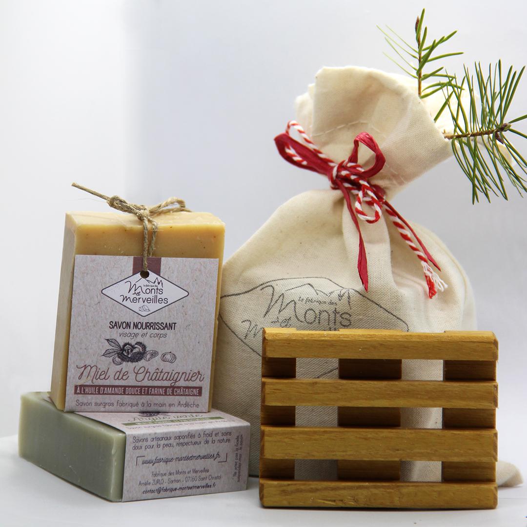 Coffret Pochon de Noël 2 savons et 1 porte savon