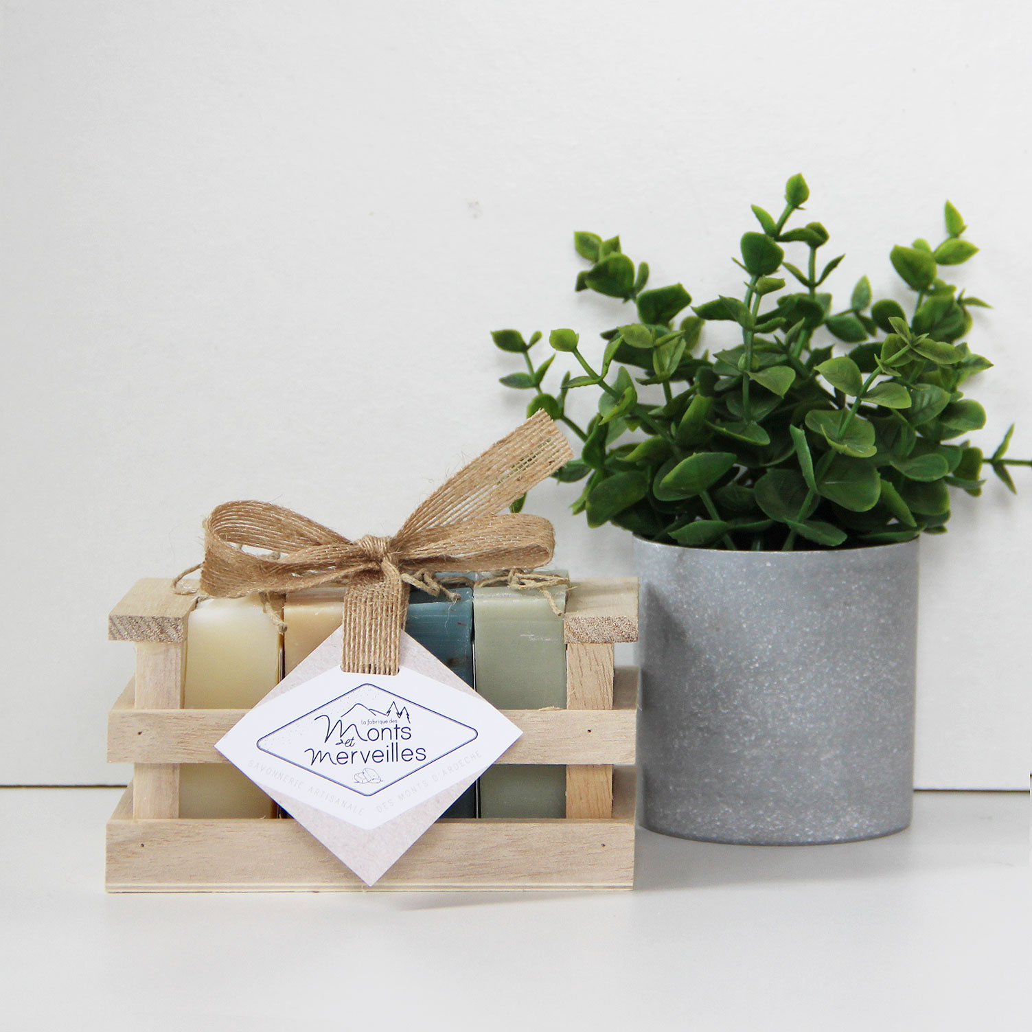 coffret cadeau corbeille bois savons
